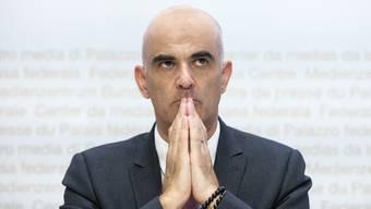 Bundesrat Alain Berset steht als Gesundheitsminister in der Coronapandemie besonders im Fokus der Kritiker.