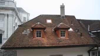 In Dachgeschossen sind künftig Lukarnen oder Dachflächenfester möglich, die bis zu zwei Drittel der Fassadenlänge ausmachen. Ausgenommen sensible Zonen bei Ortsbildschutz.