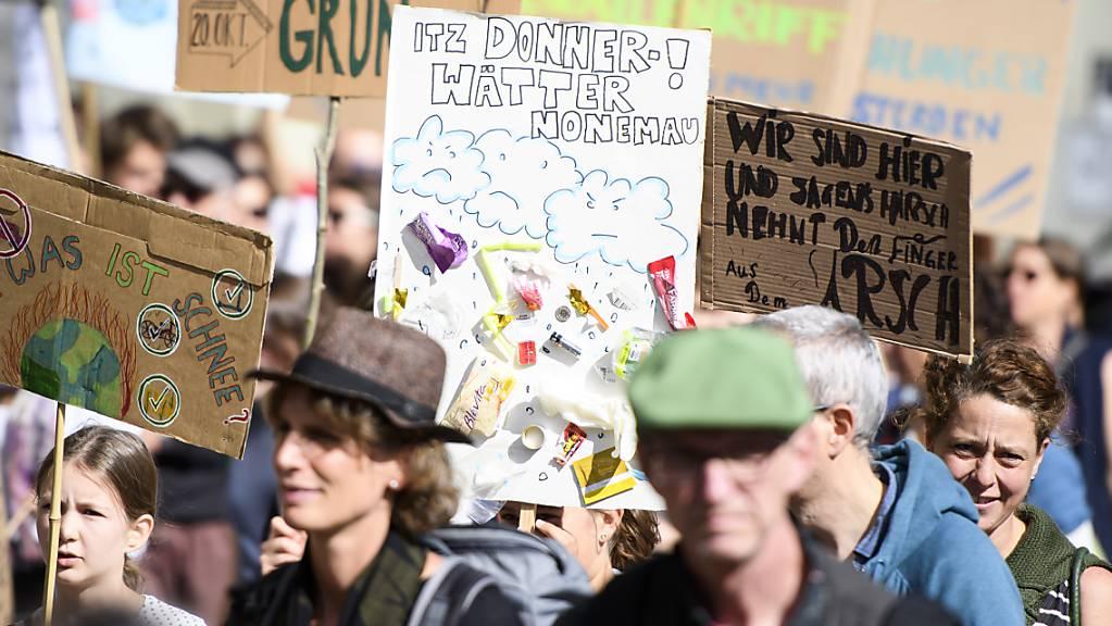 Die Klimabewegung «Strike for Future» plant für den 15. Mai 2020 einen nationalen Klimastreik in Analogie zum diesjährigen Frauenstreik. (Archivbild)