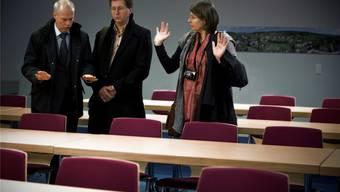 Nicole und Roland Trezzini besuchten gestern zusammen mit ihrem Anwalt den Prozesssaal in Untersiggenthal. Chris Iseli