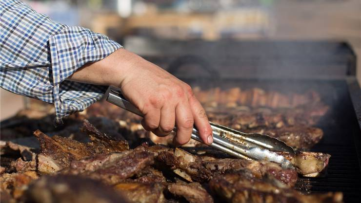 In der Metzgerei lag verdorbenes Fleisch in der Auslage, das Restaurant im gleichen Dorf ist nun geschlossen. Symbolbild: Shutterstock
