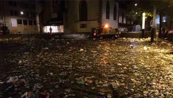 So sah der Barfüsserplatz nach dem Public Viewing der Liverpool-Fans aus.