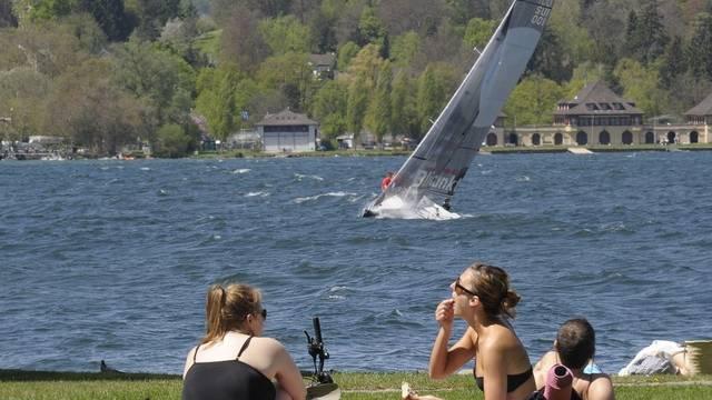 Picknick in Zürich Ende April bei fast 30 Grad
