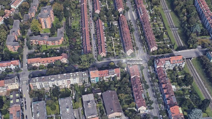 Der Betrunkene wurde in der Nähe der Bushaltestelle Rigistrasse ausgeraubt.