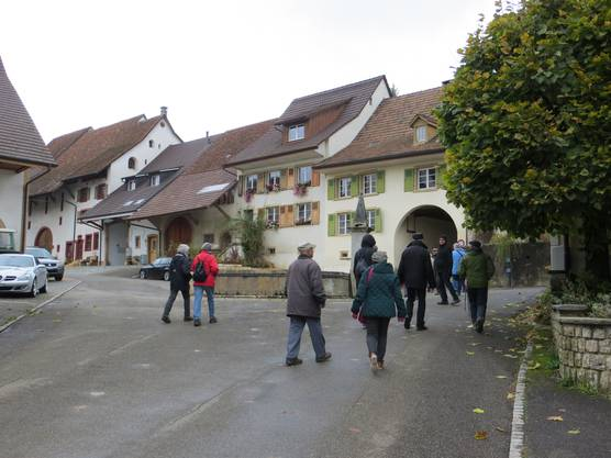 Und durch ein Tor in Wenslingen in Richtung Rothenfluh