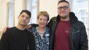 Co-Pilotin Bernadette Flück mit Alidad, 22, (links) und Sultan, 26, Afghanistan (Derendingen).