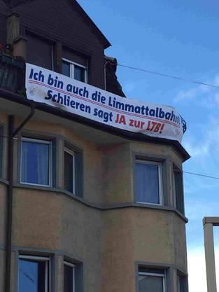 Ein Plakat der Limmattalbahn-Befürworter.