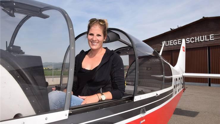 Mit ihrem einmotorigen Flugzeug des Typs Robin bringt Schlepp-Pilotin Lara Jann die Segelflugzeuge in die gewünschte Höhe.