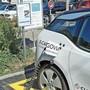 Um ein Elektroauto von E-Cargovia zu mieten, braucht man kein fixes Abo. Es reicht, eine App herunterzuladen und loszufahren.