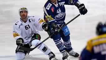 Paolo Duca (Bildmitte) steht Ambri-Piotta bis im Januar nicht zur Verfügung