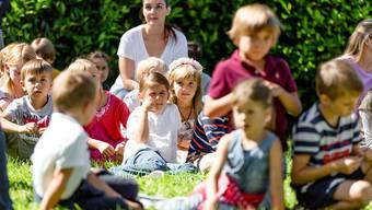 Impressionen vom Schulanfang im Schulhaus Rietwis in Uetikon.