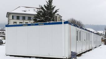 In Riedholz begegnet man der Schulraumknappheit mit Containern.