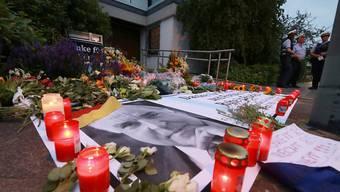 Zeichen der Anteilnahme vor Kohls Haustür in Ludwigshafen: Der Altkanzler wollte ausschliesslich mit einem europäischen Staatsakt geehrt werden.