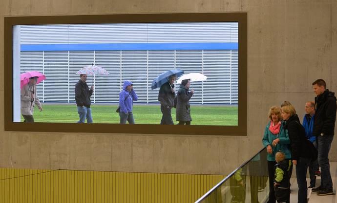 Viele Oensinger wollten sich das Sportzentrum auch von innen ansehen.