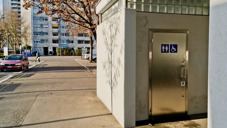 Das WC beim Rathaus gehört zu den zehn öffentlichen Toiletten in Wettingen. Emanuel Per Freudiger