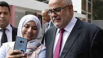 Marokkos amtierender Regierungschef Abdelilah Benkirane dürfte nach den Wahlen weiterregieren. Seine gemässigt islamistische Partei gewinnt die Wahlen nach ersten Ergebnissen.