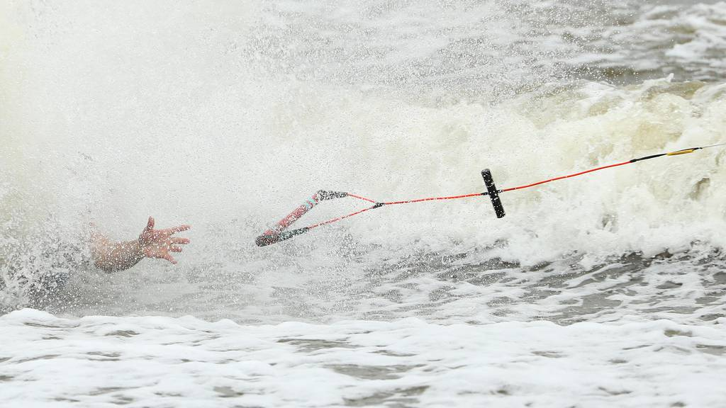 Wasserskifahrerin auf Zürichsee schwer verunfallt