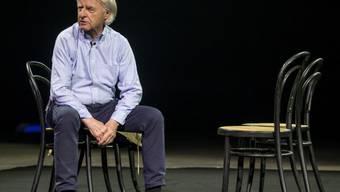 """Kabarettist Emil Steinberger ist verärgert: Schwarzhändler treiben ihr Unwesen mit Tickets zu seiner aktuellen Bühnenshow """"Emil - No einisch"""". (Archivbild)"""
