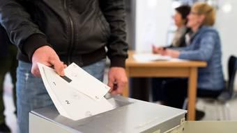 Weil die Gesellschaft altert, soll das Stimmrechtsalter sinken: Diese Forderung hat im Zürcher Kantonsrat gute Chancen.