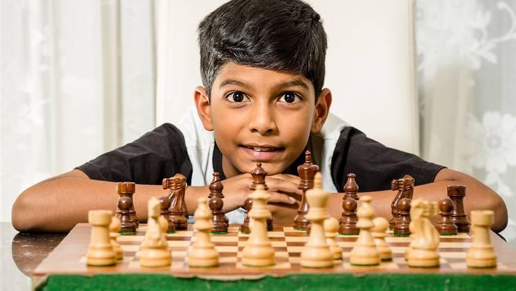 Vor einem Jahr hat Aryan mit Schachspielen begonnen. Im Juni geht er an die Schweizer Meisterschaft.