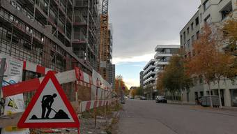Noch wird im Quartier Limmatfeld gebaut – doch ab 2019 sollen hier mehrheitlich Familien einziehen.