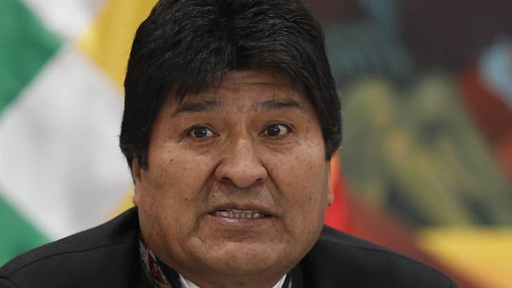 Von seinem Wahlsieg sind längst nicht alle überzeugt - weder im eigenen Land noch in der weiten Welt: Wieder-Präsident Evo Morales.