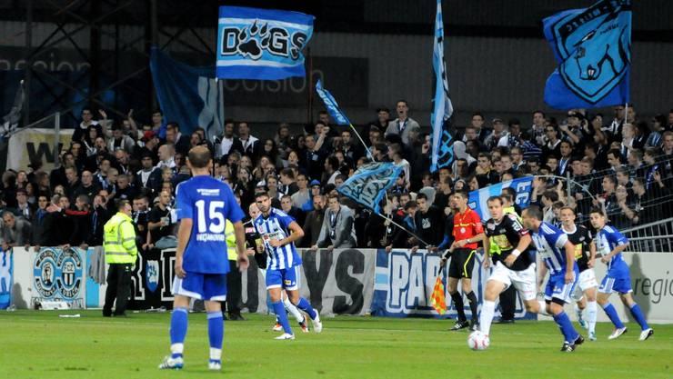 1000 bis 1200 FCZ-Fans erwartet der FC Black Stars. (Foto: FCZ-Fans beim Auswärts-Cupspiel gegen den FC Grenchen 2011.)