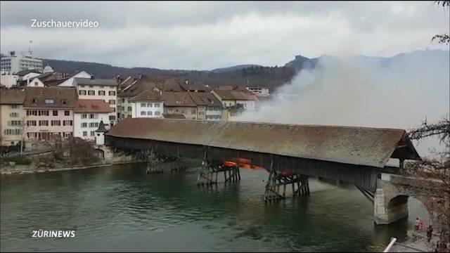 Flammen auf historischer Oltner Holzbrücke