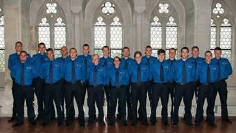 37 junge Polizisten auf Schloss Lenzburg vereidigt