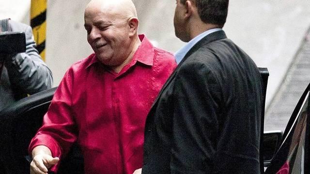 Lula bei seiner Ankuft im Spital in Sao Paulo