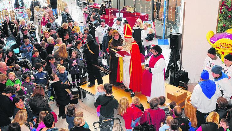 Der Dezember ist der wichtigste Monat im Detailhandel. Im Advent (im Bild das Perry Center 2013) wird fleissig eingekauft.
