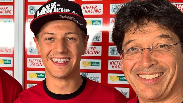 Ein Bild aus glücklichen Zeiten: Dominique Aegerter (Mitte) und sein Teamchef Stefan Kiefer.