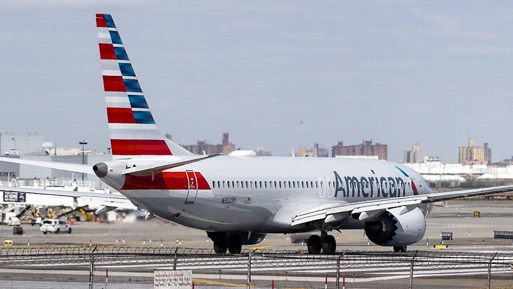 Eine Boeing-737-Max-Maschine der US-Fluggesellschaft American Airlines. (Archivbild)