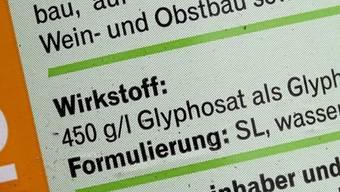 Das Pflanzenschutzmittel Glyphosat steht im Verdacht, krebserregend zu sein. Die EU-Kommission wartet mit ihrem Entscheid über dessen weitere Zulassung bis zum letzten möglichen Termin zu.