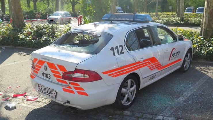 Baselbieter Polizeiauto wird bei Krawallen nach dem Spiel FCB – FCZ zerstört
