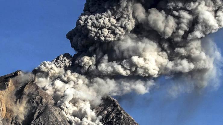 Der Sinabung auf Sumatra ist einer von 130 aktiven Vulkanen Indonesiens.