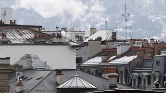 Die Schweiz tut nach Ansicht der Umweltorganisationen zu wenig im Kampf gegen den Klimawandel. Das neuste weltweite Klimarating sieht die Schweiz noch auf Rang 16. (Archivbild)