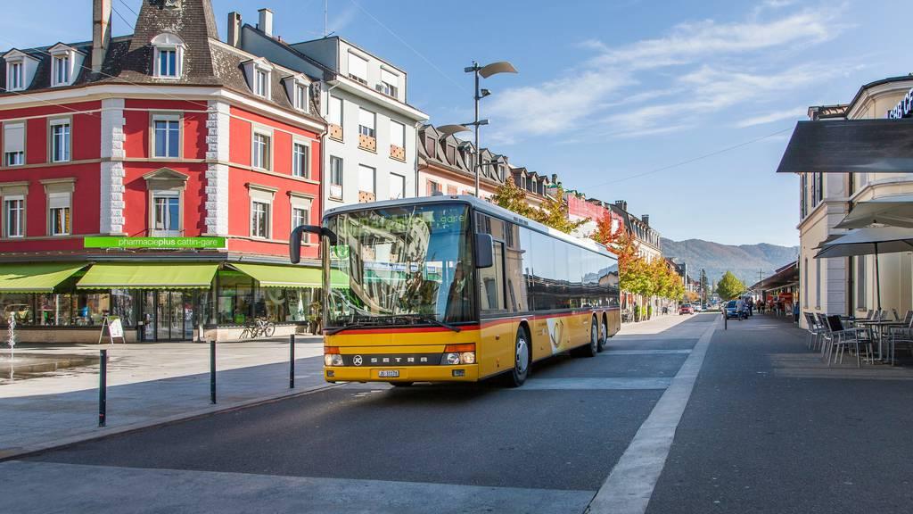 Jura vergibt seine Buslinien doch wieder an die Post