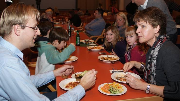 Spaghetti mit verschiedenen Saucen: Ein Menü, das alle Gäste der Filmnacht mochten.