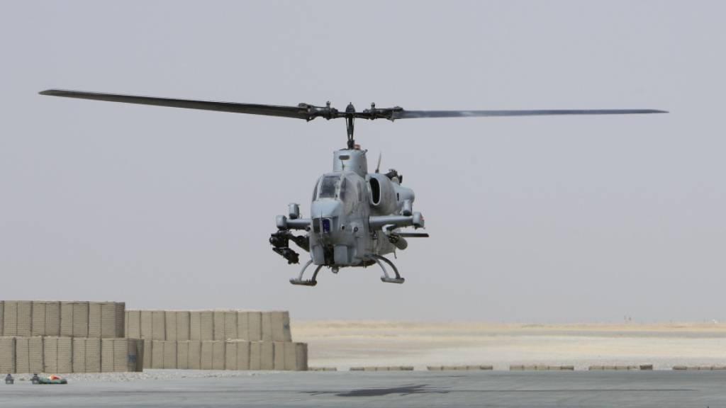 Die USA haben die Lieferung von Helikoptern des Typs AH-1 Cobra an Nigeria auf Eis gelegt. (Archivbild)