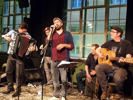 Gaben ein Müsterchen ihres Könnens und treten am 9.3.2016 wieder in der Stanzerei auf - Extrem Bosnian Blues Band.
