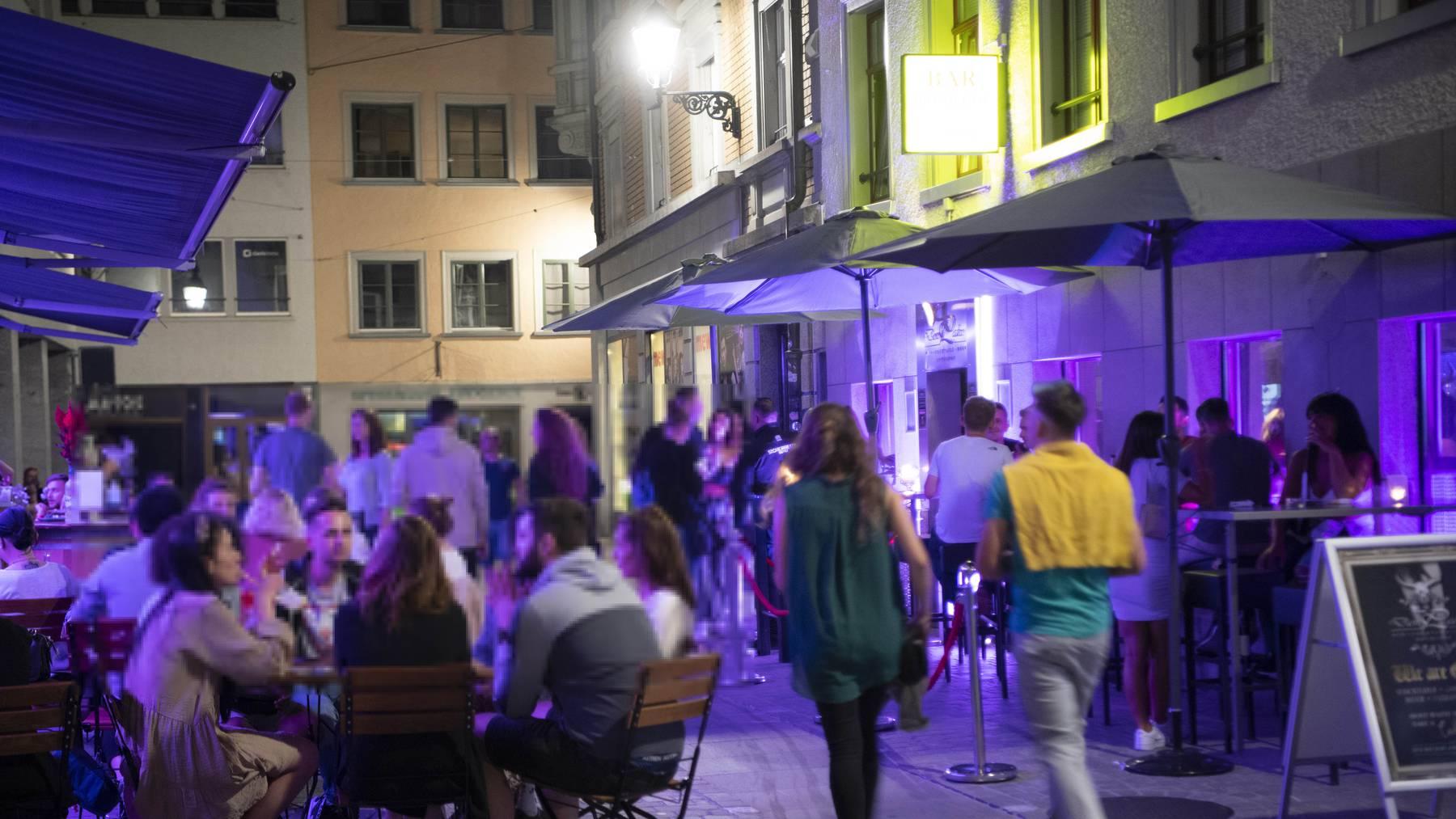 Ausgelassene Stimmung in St.Gallen: Alle freuen sich wieder auf die Gasse zu können. (Archivbild)