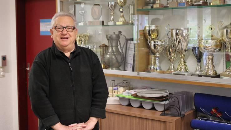 «Mit dem Ruhestand kann ich mich nicht abfinden»: Giuliano Peccianti im neu eröffneten Klubhaus des FC Entfelden.