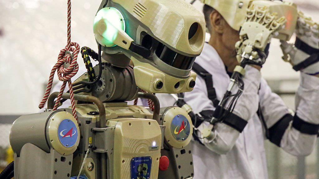 Der Roboter «Fedor» soll künftig bei gefährlichen Einsätzen auf der ISS assistieren.