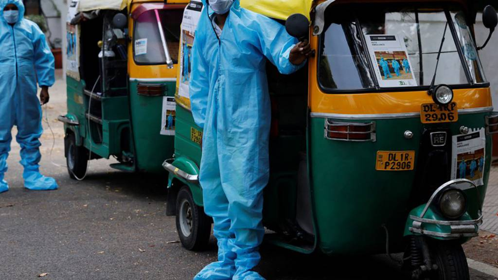 Rikscha-Ambulanz und Gratis-Essen: Wie Menschen in Indien helfen
