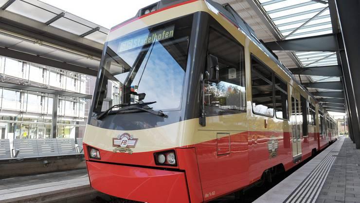 Zurzeit verkehrt die Forchbahn zwischen Stadelhofen und Esslingen. (Archivbild)