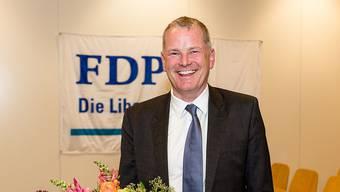 Baudirektor Stephan Attiger bleibt der einzige FDP-Kandidat. Hier am Parteitag nach der Nomination als Regierungsratskandidat. (Archiv)
