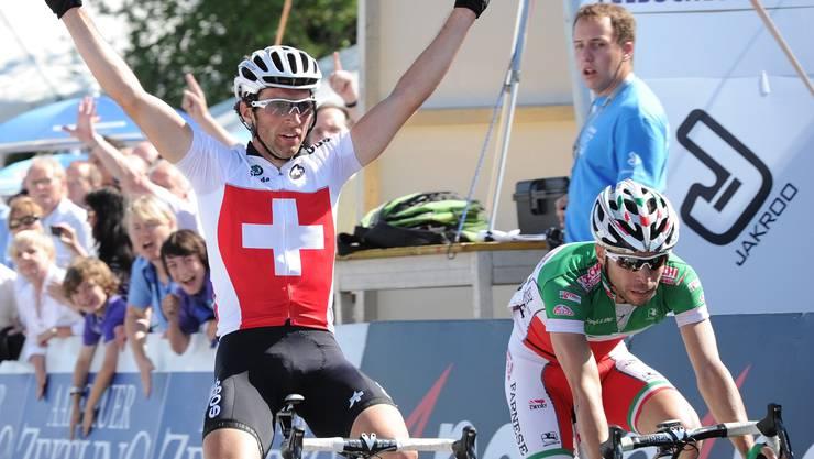 Michael Albasini gewinnt den GP von Gippingen.