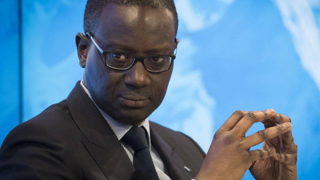 Das CS-Management um Bankchef Tidjane Thiam will auf Druck von Aktionären und Stimmrechtsvertretern auf einen Teil seiner Boni verzichten. Für die Stimmrechtsberater ist das allerdings noch zu wenig. (Archiv)