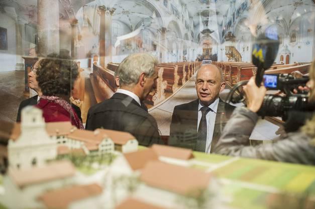 Nur an der OLMA möglich: Der Zürcher Bundespräsident besucht die Solothurner St. Ursen-Kathedrale in St. Gallen